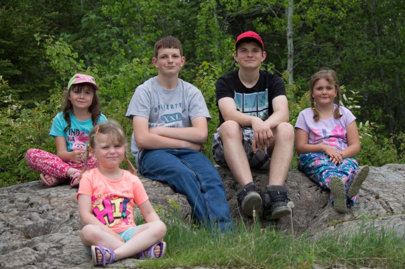 my kids dog hansen Leif hansen needs your help today family car, 3 kids 1 dog and family - my name is leif hansen i have been a father for almost half my life i grew up in an amazing family full of love, camping and fun.